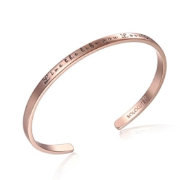 "SOLOCUTE Rosegold Damen Armband mit Gravur ""Live The Life You Love"" Inspiration Frauen Armreif Schmuck -"